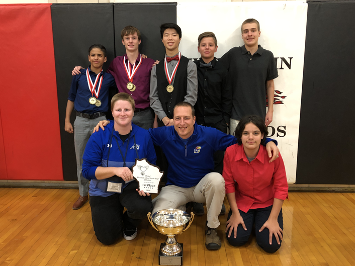 Picture of a group with a trophy for 2018 ASL Bowl Team Championship