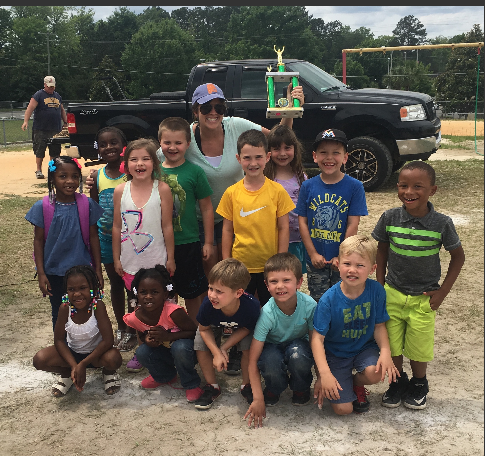 Mrs. Plant's Kindergarten class with Field Day Trophy