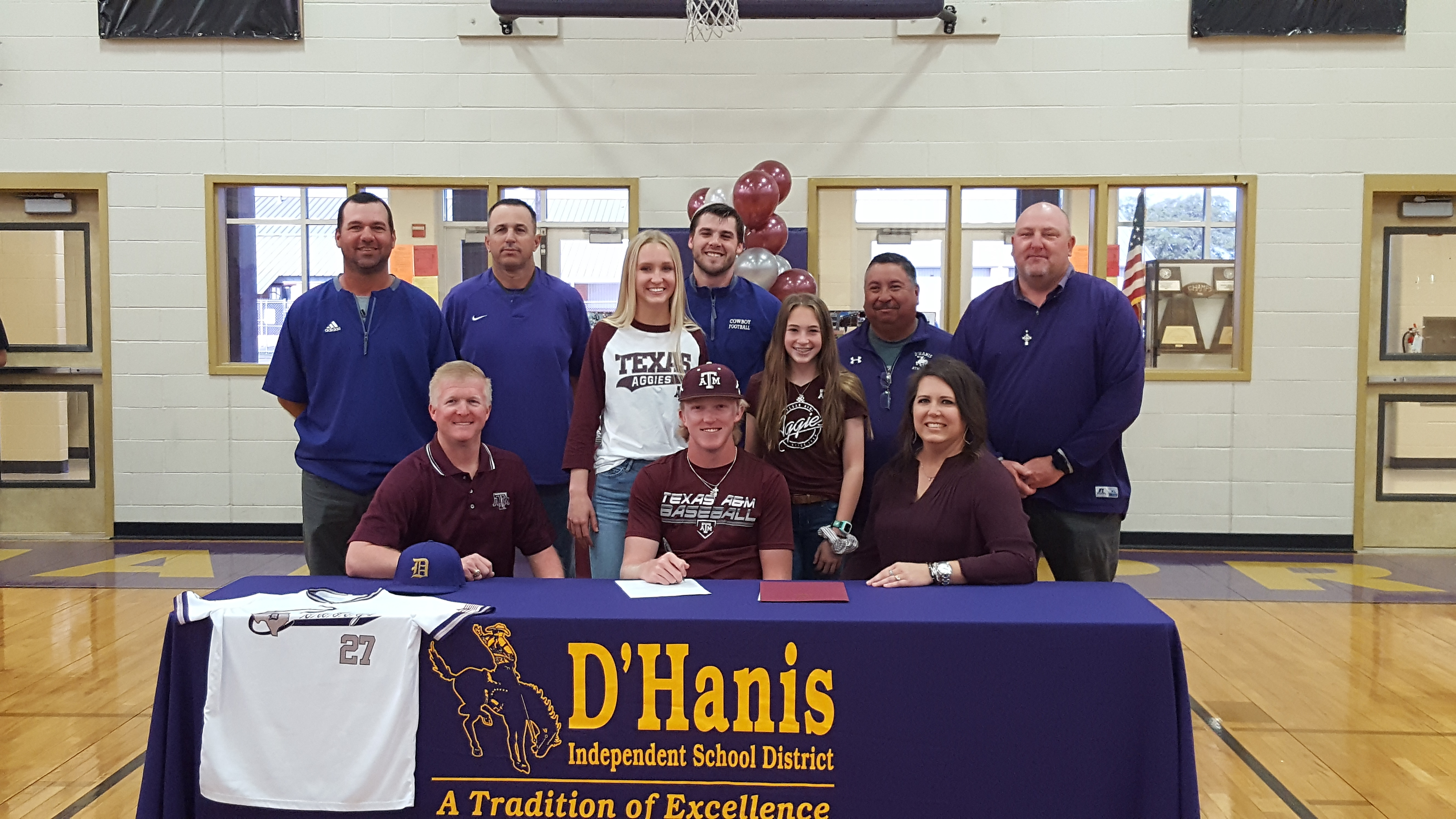 Magers signs to play for Texas A&M