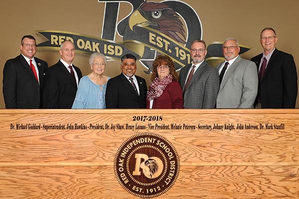 Group photo of 2017-18 School Board
