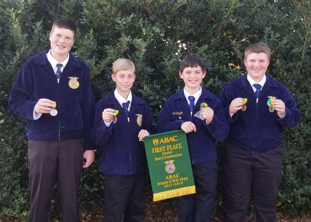FCMS FFA Dairy Evaluation Briar Dove, Rhett Floyd, Rylan Tampkin, and Canyon Randall