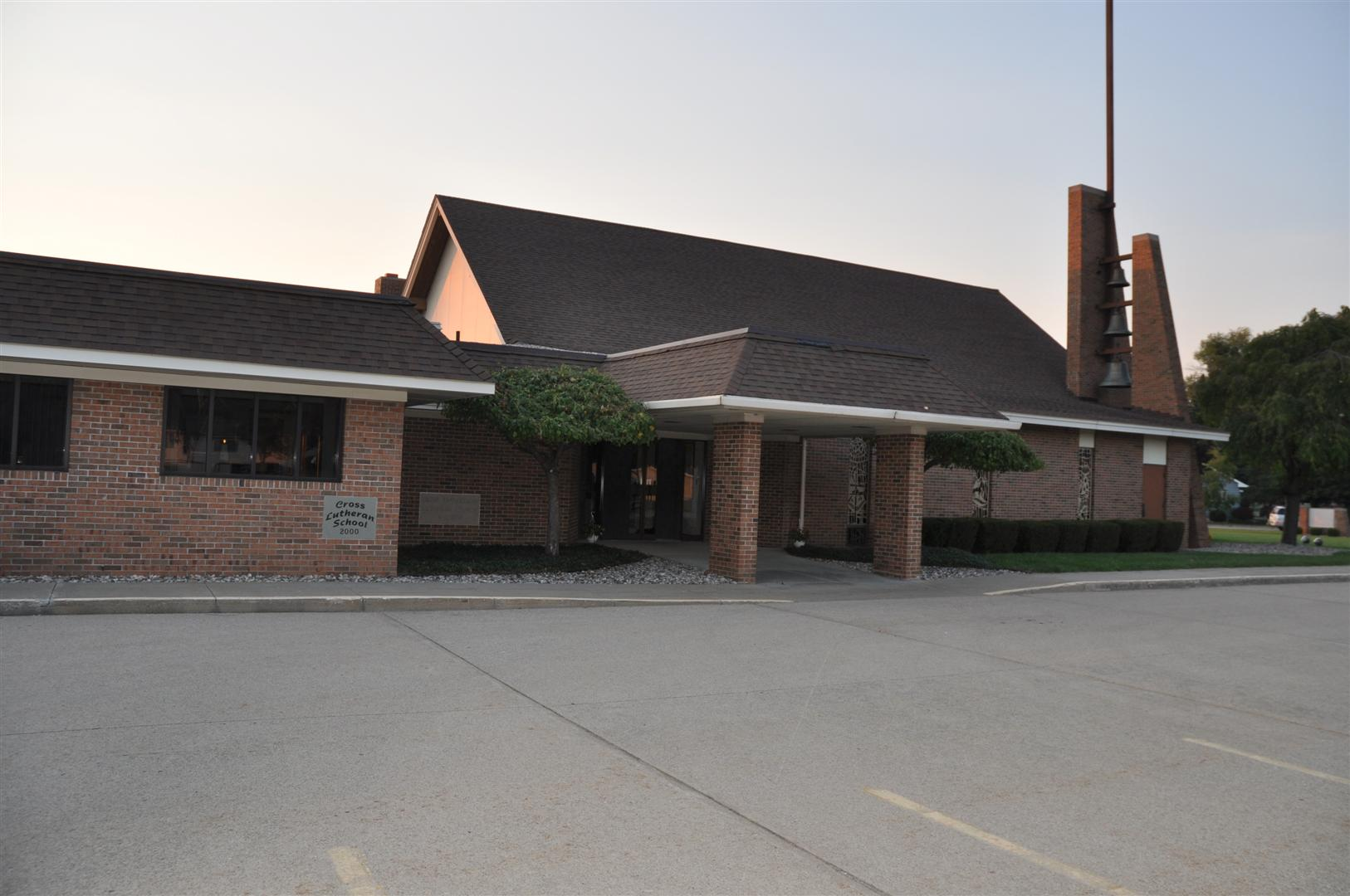 Picture of Cross Lutheran School Building
